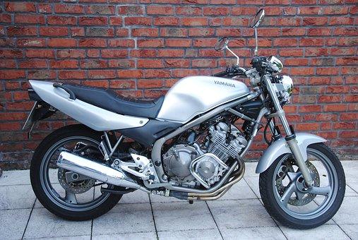 Yamaha - ein weiterer großer Motorradhersteller aus Japan.