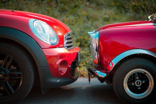 Mini Cooper versus Fiat 500