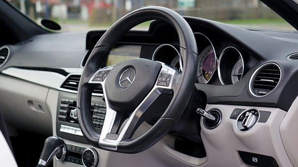 Reifenkontrollsysteme und Reifendrucksensoren
