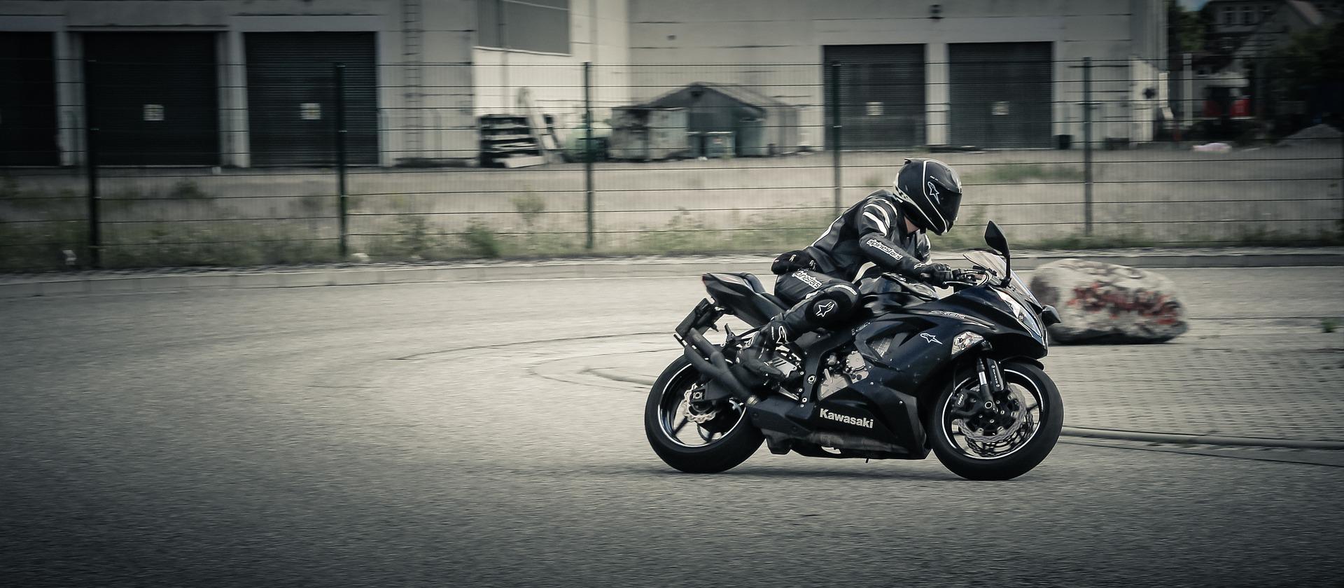 mehr sicherheit auf dem motorrad