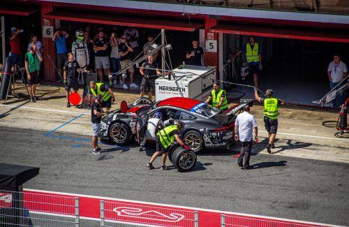 Welche Rennen gibt es mit Serienautos - Reifenwechsel