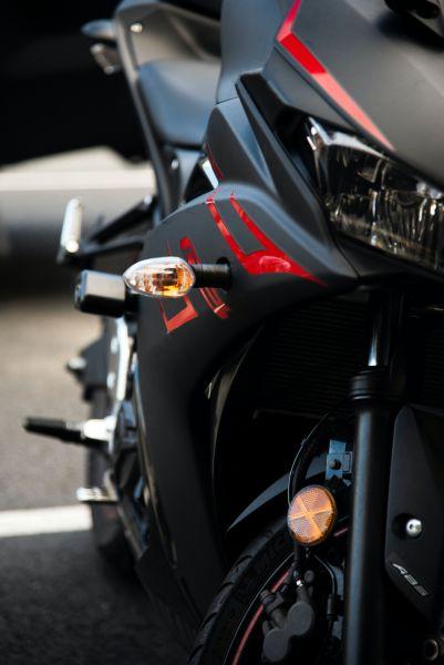 Ist ein Motorrad mieten die bessere Alternative - Adrette Frontansicht