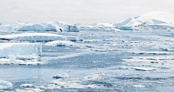 Das längste Autorennen der Welt - Zugefrorene See