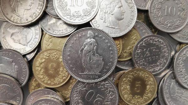 Reifenprofil messen - Kann man auch mit einer 2 Franken-Münze
