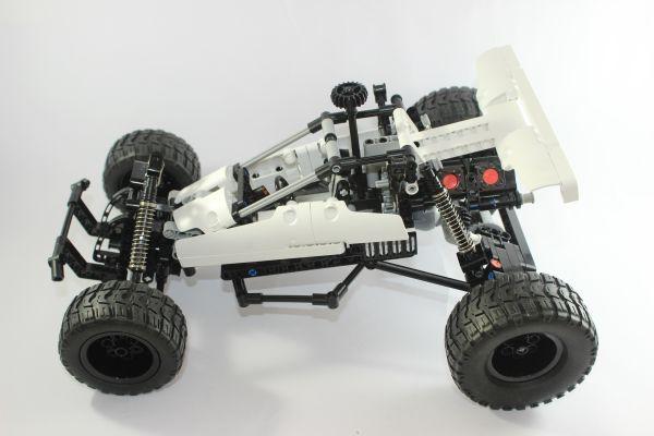 Am Beispiel Modellauto sieht man die einzelnen Teile des Fahrwerks