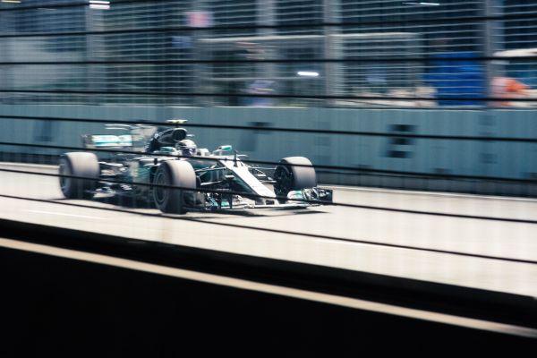 Wieviel kostet ein Formel 1 Auto - In Bewegung