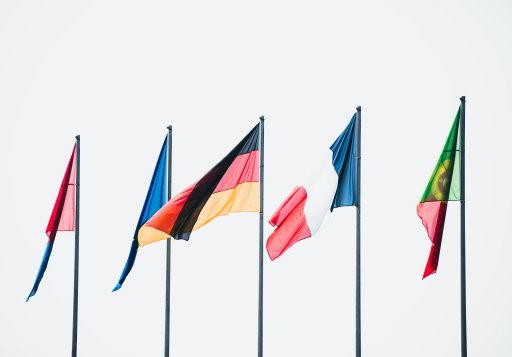 Tanken im Ausland - Flaggen